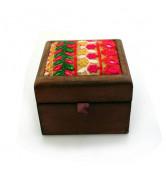 Holzbox quadrat. braun