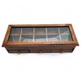 Holzbox mit Glasdeckel