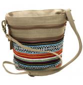 bolso beige con tejido colorido